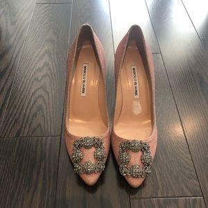 New Manolo Blahnik Hangisi Pumps heels shoes